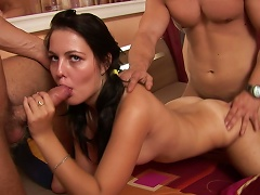 Tanned Brunette Gabriela Fuck With Two Dicks