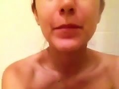 Hot Turkish Bitch Masturbating In The Shower