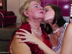 Mature Blonde Chick Gives Her Younger Companion The Oral Pleasure