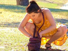 Kylie Visits The Park Only To Reveal The Perfectness Of Her Cunny