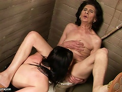 Granny Likes The Taste Of That Tight And Fresh Pussy