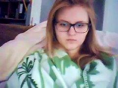 Nerdy Amateur Teen Fingers Her Pussy In Webcam Solo Clip