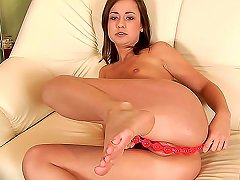 Insanely Tight Looking Pussy On Teen Girl