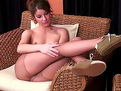 Slim Teen Is So Sexy In Pantyhose