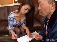 Maki Hokujo Lets A Dude Finger And Fuck Her Japanese Pussy