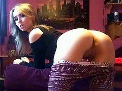 Hot Teen Gfs Like To Do Nude Selfies!