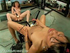 Two Lesbian Teens Getting Pounded By Machine While Toying With Each Other´s Clits