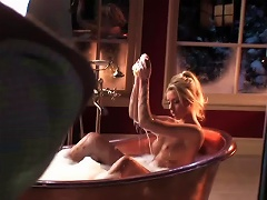 Stunning Blonde Playmate Heather Rae Young Sexy And Soapy In The Bathtub