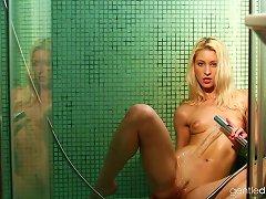 Sexy Teen Uma Jolie In The Shower