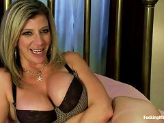 Blonde Mom Sara Jay Gets Naughty With A Fucking Machine And Enjoys It