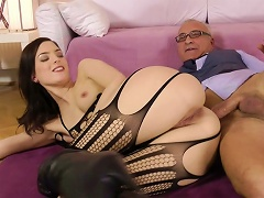 Young Whore Lyen Fuck With An Old Dick