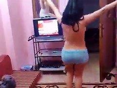 Sexy Arab Girl Dansig Nud.