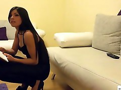 An Amateur Fuck On Cecilias Virgin Ass