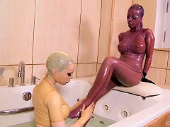 Babes Bathing In Skintight Latex Catsuits Lick Toes