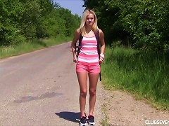 Unforgettable Blonde With A Shaved Pussy Goes Naked In The Wild
