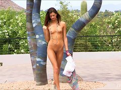 Absolutely Beautiful Skinny Babe Performs Solo Outdoors!