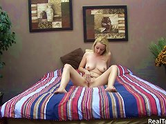 Buxom Teen Masturbates With A Toy In Home Made Solo Clip
