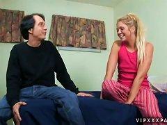 Divine Blondie Jessi Andrews Loves Blowing That Dick
