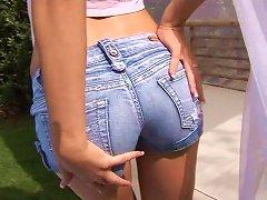 Sexy Teen Masturbates In Her Secret Spot