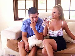 Britney Amber Favours David Loso With A Breath-taking Blowjob
