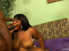 Ebony Bbw Babe Sucking Dick And Gets Her Cunt Fucked