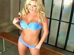 Sublime Blonde Pornstar Bree Olson Masturbating In The Locker Room
