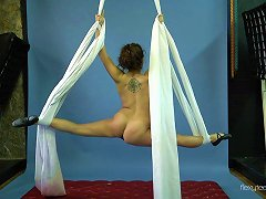 Flexible Russian Gymnast Loves To Expose Her Totally Naked Body