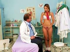 Rachel Evans Poses In Front Her Lovely Doctor