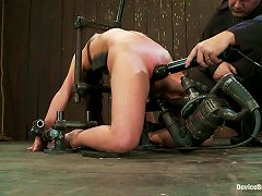 Girl Gets Arched And Penetrated Hard In Her Muff