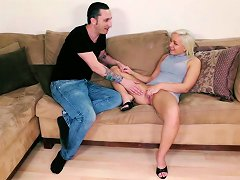 Adorable Cleo Vixen Sucking And Fucking On The Couch