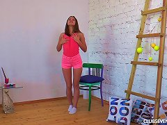 Seductive Evelina Loves To Paint And To Play With Her Sweet Beaver