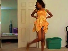 Slim Ebony Teen Dancing Temptingly In Amateur Clip