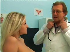 Blonde Nympho Gets What She Wants