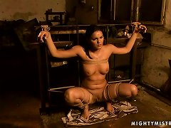 Kitty White Gets Tied Up And Punished By The Wicked Mistress Lea Lexxis