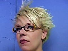 Short Haired Blonde Chick Really Knows How To Deep Throat