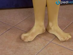 Amateur Teen Solo Model Shows Her Beautiful Feet In Stockings